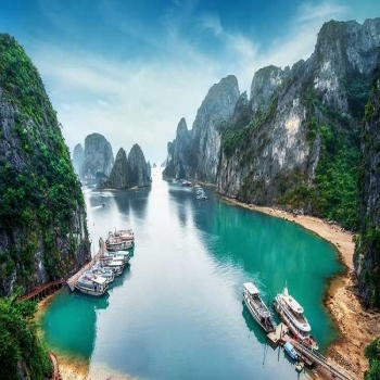 The most beautiful beaches in Halong Bay
