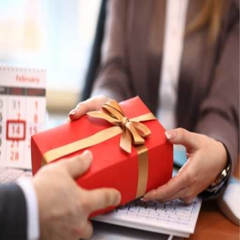 Here is Why Corporate Gifting has Never Been so Cushy