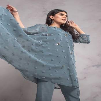 A TALE OF ZUHAZ - THE FASHION ICON OF PAKISTAN