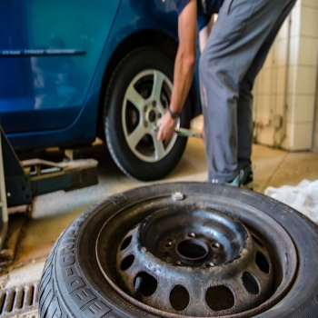 How to rotate your tires and how often should you be doing it