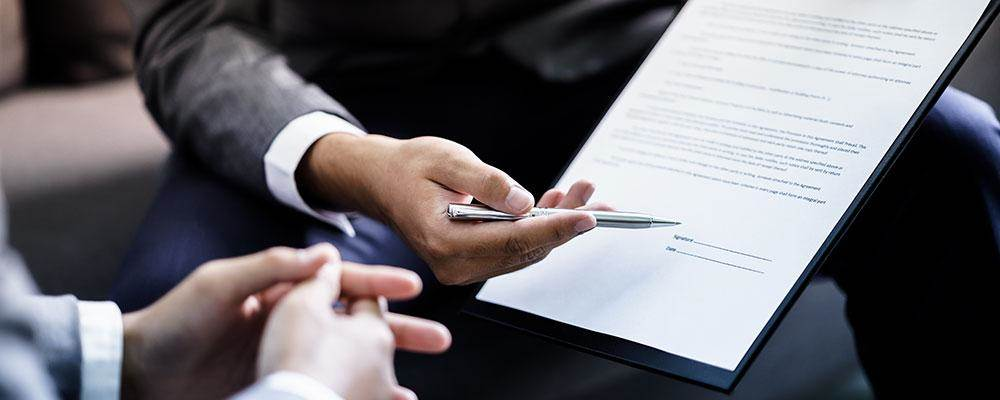Benefits of Seeking Professional  help for a Business Contract