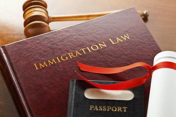 Why You Need To Select Your Immigration Lawyer Carefully