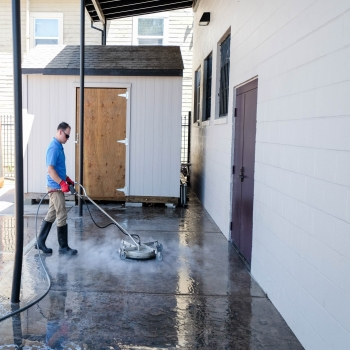 What are the Benefits of Pressure Washing at Commercial Area?