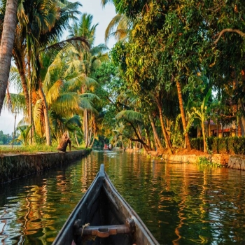 Stunning Backwaters Destinations In Kerala