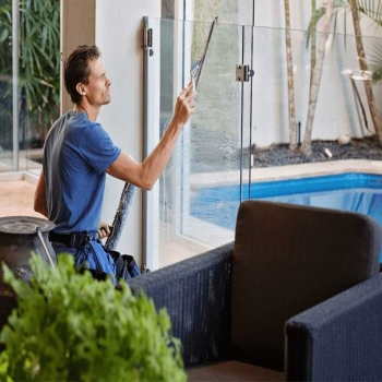 Steps Involved In The Professional Window Cleaning Services