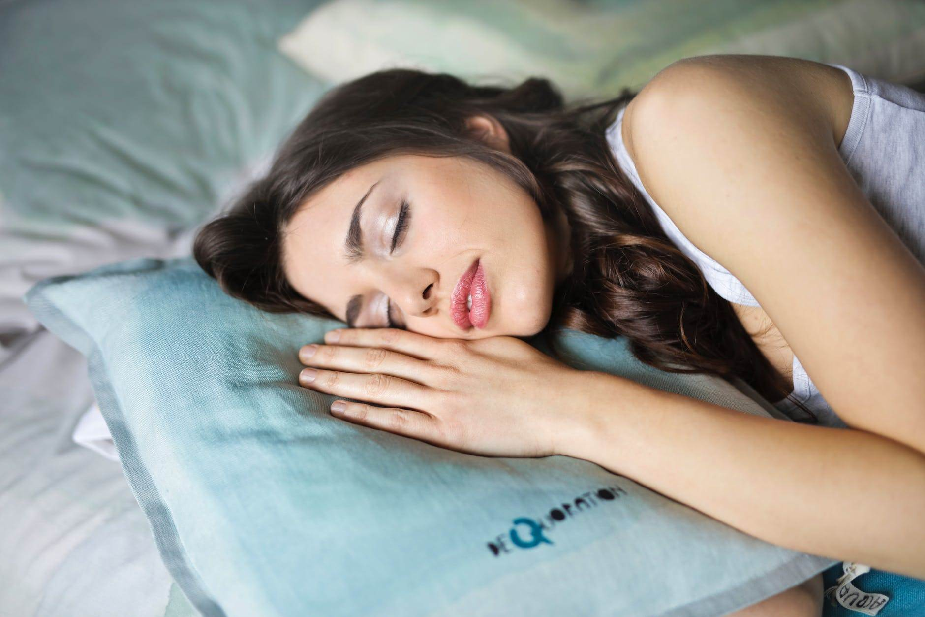 How Sleeping Postures and Mattress affect your Sleep?