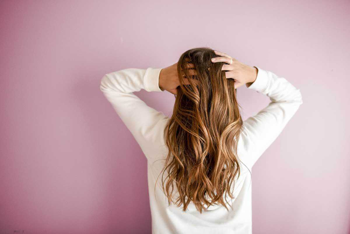 5 Effective Tips to Stop Hair Fall and Dandruff