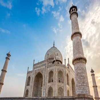 It's time to explore the symbol of love, Taj Mahal with us.