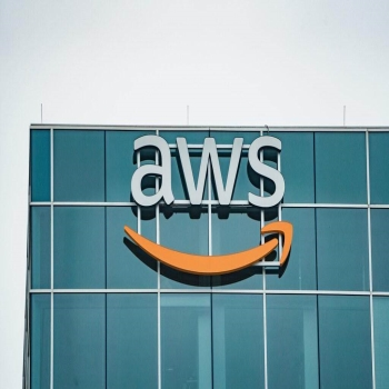 5 Advantages of Amazon Web Services (AWS)