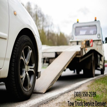 How Do Tow Truck Service Serve as a Life Savers for Clients